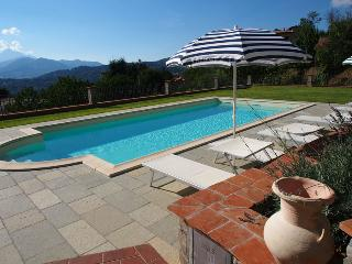 Villa Corado, full wheelchair access and pvt. pool, Castiglione di Garfagnana