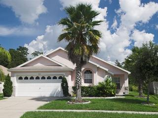 Great Villa with Pool-Spa Jaquzzi on Indian Point, Kissimmee