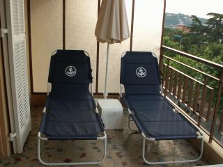Balcony sun beds