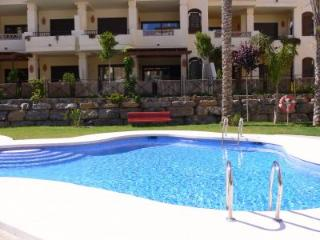 Altea Villa Gadea grd floor apartment with A/C, private garden, pool & Wifi