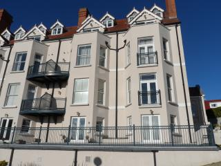 Bryn Y Mor, Number 5 ,The Mansion House, Tenby