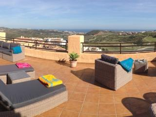Calanova 2 Bedroom Luxury Penthouse with Sun-drenched Solarium & Panoramic Views