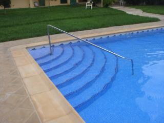 Easy access to pool