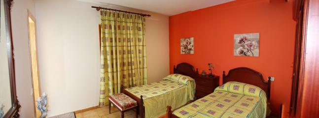 Orange room view - Casa Elisa Canarias