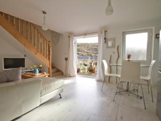 Moon Lodge, Beach House, Tregoyne, Porthtowan TR4 8FE