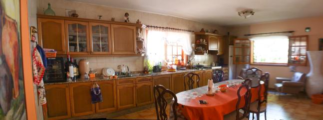 Kitchen full view - Casa Elisa Canarias