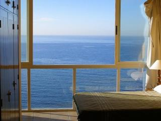 Stunning sea views - a must see!