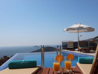 Luxury Villa SeaBreeze Kalkan inc.Daily Maid