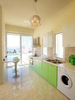 Skyes modern kitchen