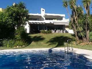 Luxury Villa, Nueva Andalucia, Puerto Banus,  Perfect for Families & Golfers
