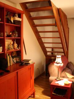 escalera acceso al piso superior