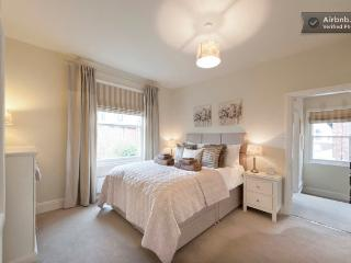 Location, location, location... 5* Boutique apartment prime Wilmslow location