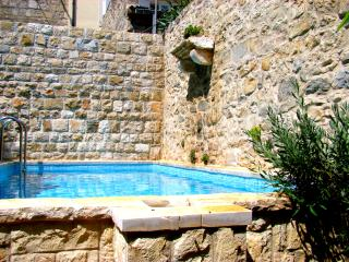 Villa Kala -house with pool