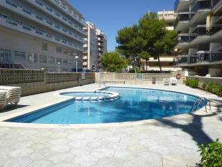 appt 5 pers. piscine, parking, 150 m de la plage, Salou
