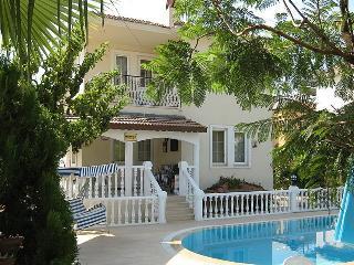 Llamedos Villa, Ovacik