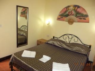 Appartamento Savanarola, Laem Set