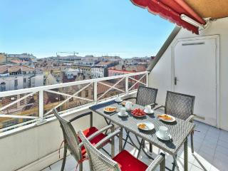 Enjoy beautiful views and the alfresco lifestyle on the top floor terrace