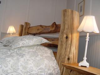 L'ébéniste Sylvain Viau a travaillé ce lit de cèdre