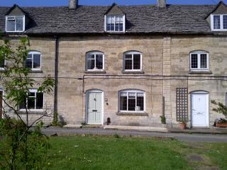 Park Terrace with fibre optic wifi, Minchinhampton