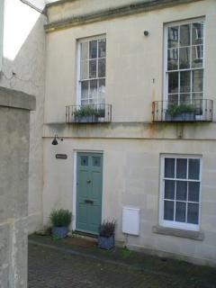 Charming Mews Cottage