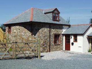 The Hayloft, spacious,detached with private garden, Bratton Clovelly