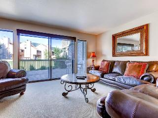 Beautifully Upgraded Condo with Loft, Park Meadows Country Club (202329), Park City
