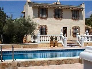 Beautiful villa in Costa Dorada with private pool, L'Ampolla