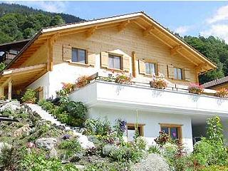 Luxury Klosters Chalet, Spectacular Views.5 mins walk to lifts. Private Sauna