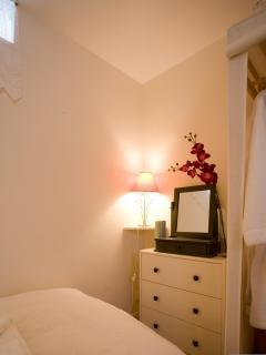 'Jasmine' twin room