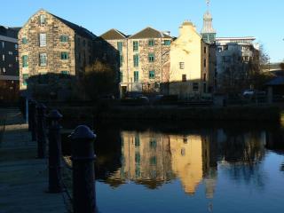 Peaceful Riverside Apartment, Edinburgh