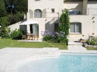 Villa Apartment with Pool 'LES LUCIOLES'