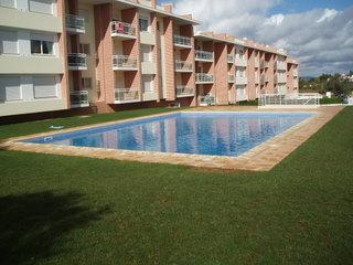 2 Bedroom Ma Partilha Apartment with Pool & WiFi, location de vacances à Alvor