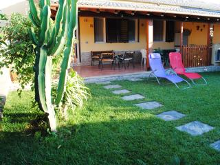 Near the Sea, WiFi, parking, swimming pool, Cefalu