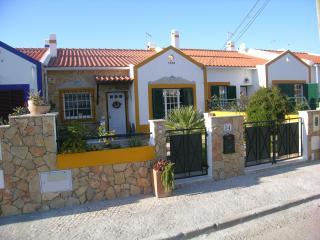 Casa da Ribeira - 4 km