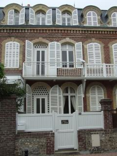 Belle maison bourgeoise à Etretat à 40 m de la mer et de la plage dans le centre