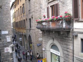 Beautiful apartment located next to DUOMO - Corso, Florence