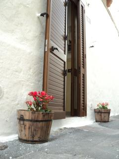 prospetto esterno porta di casa