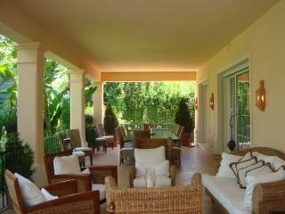 La Buena Vida Dining and breakfast terrace