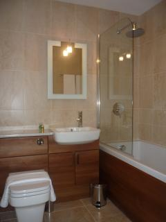 The Granary Ensuite Bathroom