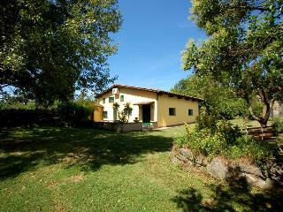 Semidetached house with shared pool, 500m village, Monterosi