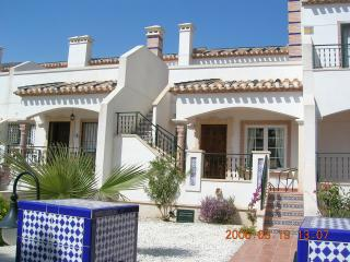 Bungalow For 4 El Raso: WIFI; AirCon;TV; 2Bed/Bath;Pool; BBQ; Sea 5 Minute Drive