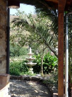 la veranda immersa nei profumi della natura