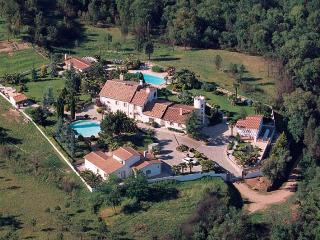 Luxury Villa: 12 BR, 8 BA, 2 pools. Very private!, Riudarenes