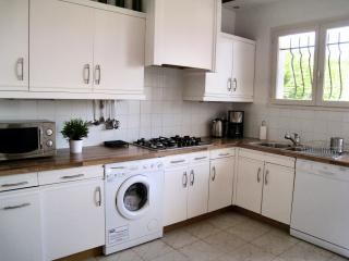 Kitchen - fully equipped, clean and modern in country style
