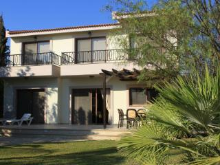 Villa Oceania in beautiful Pissouri Bay/Jetty