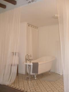 Ariane bathroom