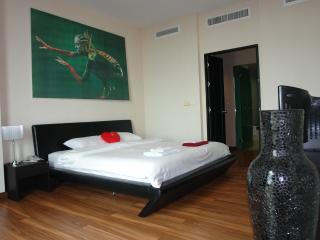 Luxury Sea View Apartment, Karon