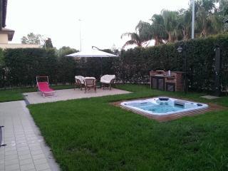 Abitazione in residence con jacuzzi in giardi, Catania