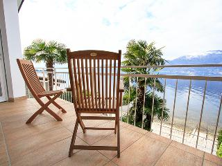 Lakeside 3 bedroom villa in the Italian Lakes