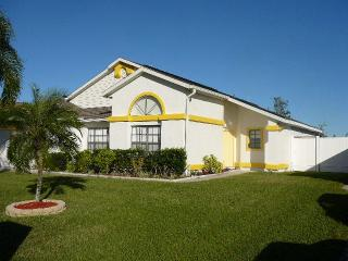 Stunning 4 Bedroom Ventura Villa with WiFi and a Pool, Kissimmee